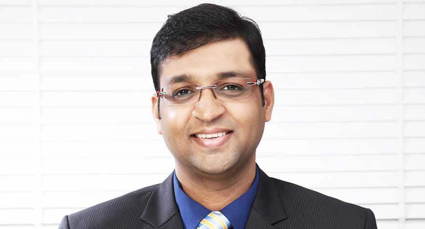 Vivek Bajaj Biography, Income, Age, Height, Family & More
