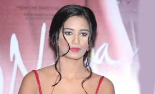 Poonam Pandey Biography, Age, Boyfriend, Family, Facts and More