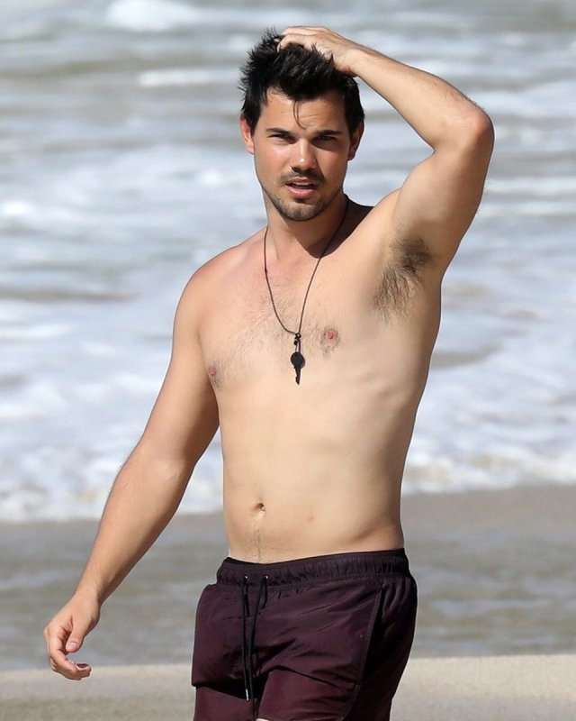 Know About Taylor Lautner in 2019. Age, Height, Net Worth ...