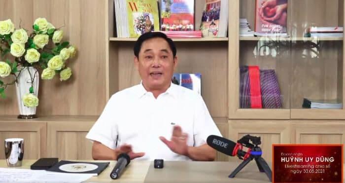 Huỳnh Uy Dũng livestreams