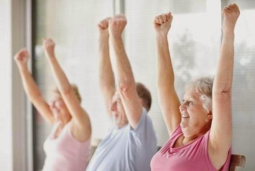 Luyện tập thể dục thể thao thường xuyên để tránh bệnh thoái hóa khớp