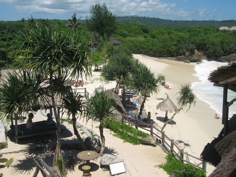 File:Nusa Lembongan Dream Beach.jpg