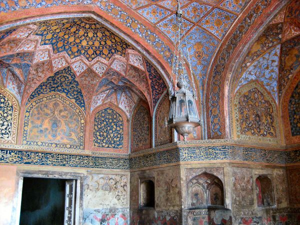 The antechamber to Akbar's tomb at Sikandra, Image Credit: http://wikitravel.org/