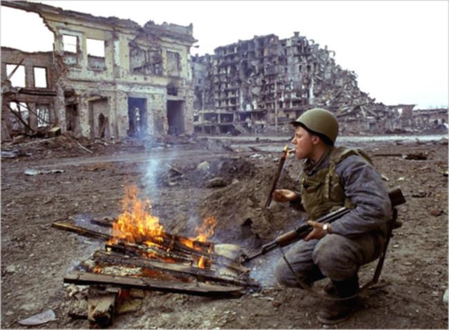 https://i0.wp.com/wikitravel.org/upload/shared/2/29/Grozny_war.jpg
