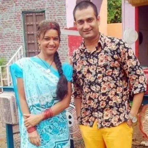 अब्बास खान, सुचेता खन्ना के साथ