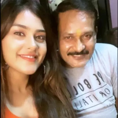 Naira Shah with father