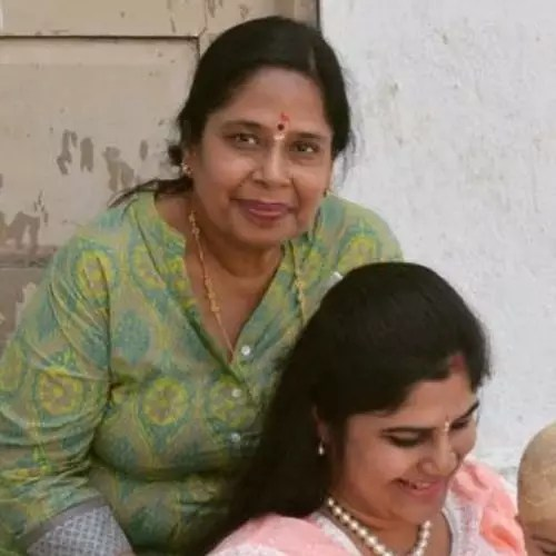 Shristi Dixit with Mother