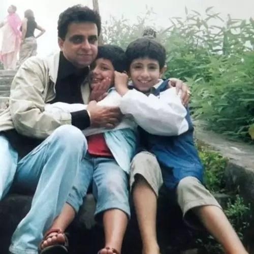 अजय नागर के पिता