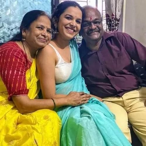 Mitali Mayekar Parents