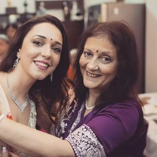 Nauheed Cyrusi with Her Mother