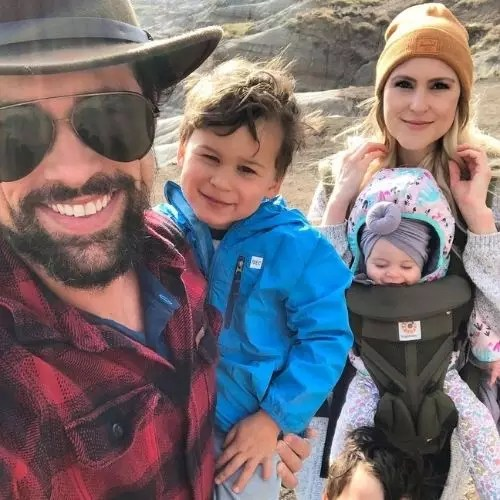 Benjamin Hollingsworth with family