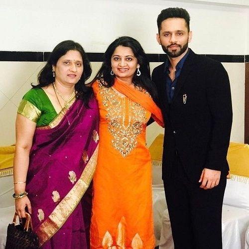 Rahul Vaidya with Mother and Sister