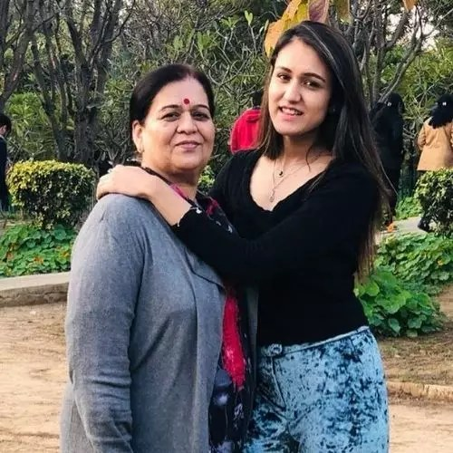 Manika Batra with Mother