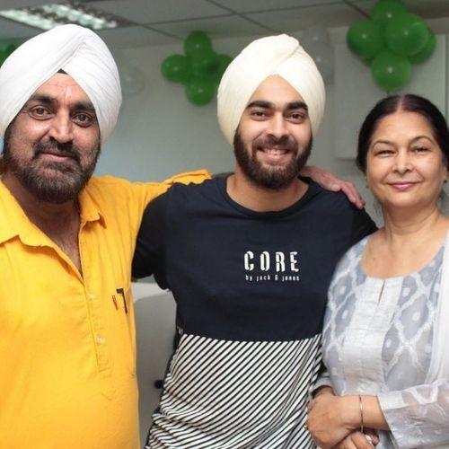 Manjot Singh with Parents