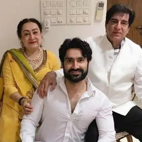 Karan Nath with Parents