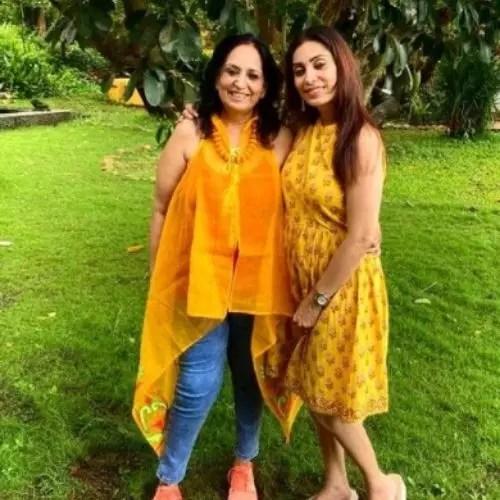 Nakul Mehta Mother and Sister