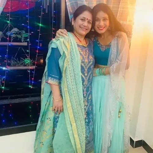 Chetna Kaintura with Mother