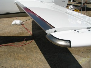Cirrus SR22 FIKI TKS Elevator Leading Edge, by wikiWings.Wordpress.com
