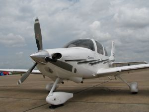 Cirrus SR22-G1, photo credit wikiWings