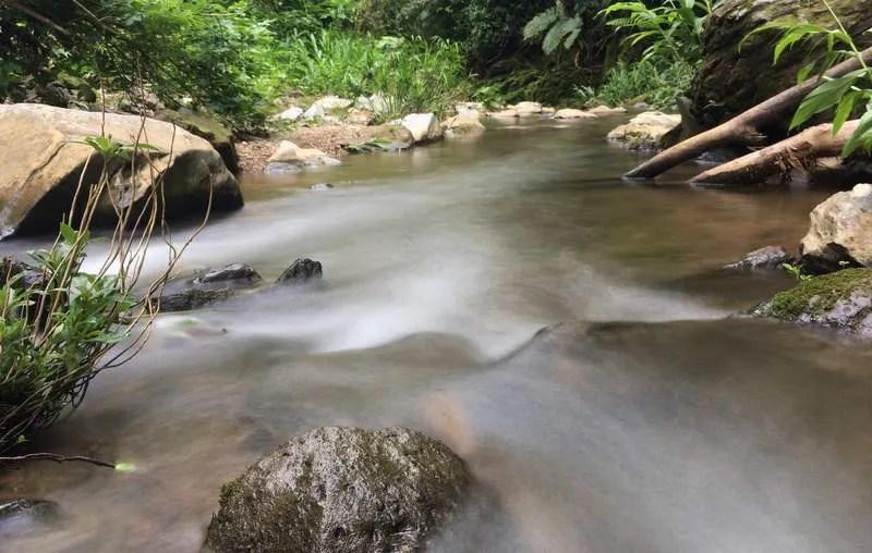 exposición prolongada en un río
