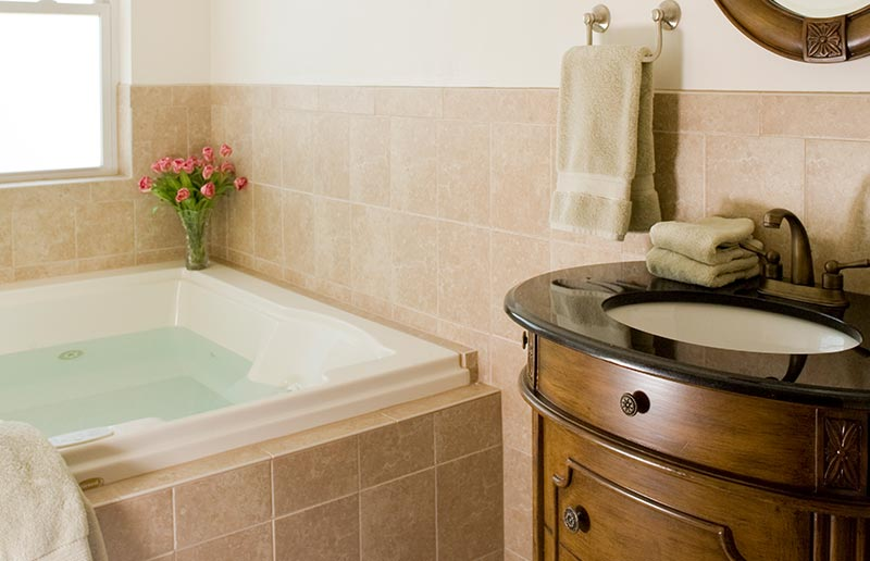 Suite 206 Jacuzzi, The Wilbraham Mansion & Suites Boutique Hotel, Cape May, NJ