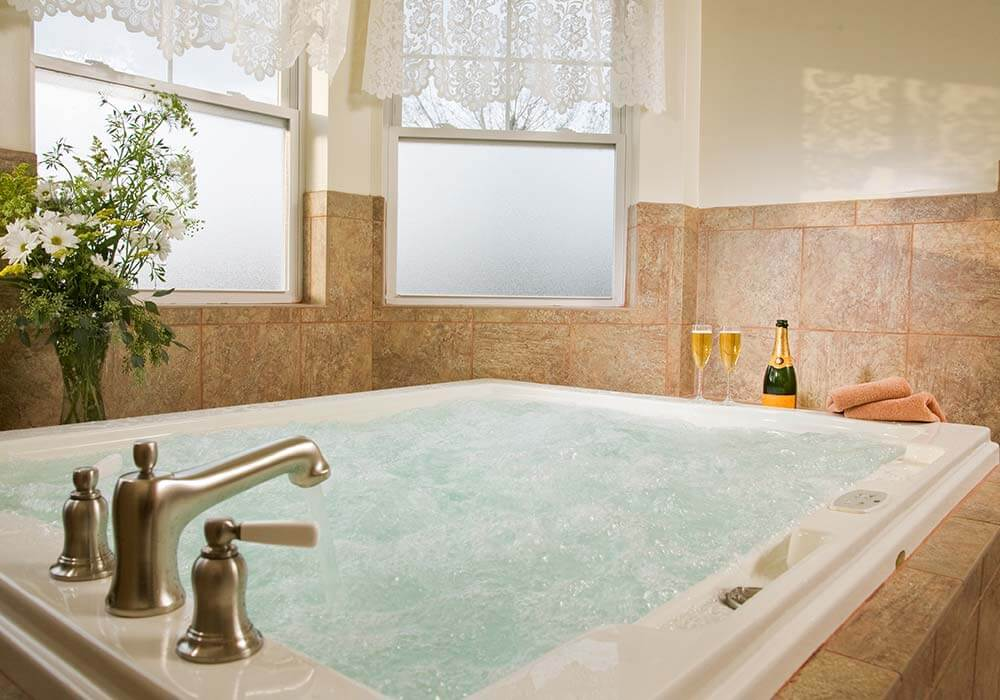 Jacuzzi, The Wilbraham Mansion & Suites, Jersey Shore, Cape May New Jersey