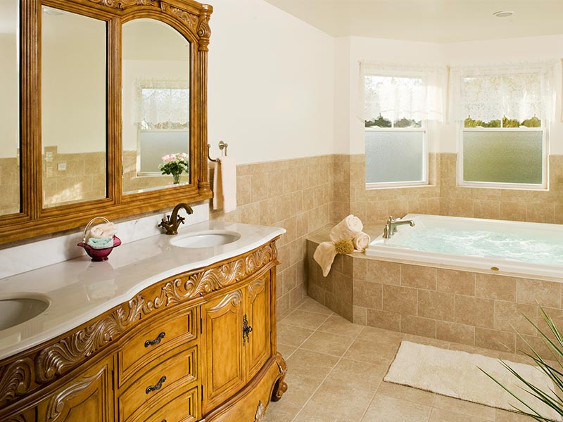 Suite 202 Jacuzzi, The Wilbraham Mansion & Suites, Jersey Shore, Cape May New Jersey
