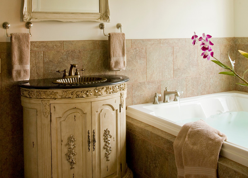 Suite 203 Jacuzzi, The Wilbraham Mansion Bed & Breakfast, On the Jersey Shore