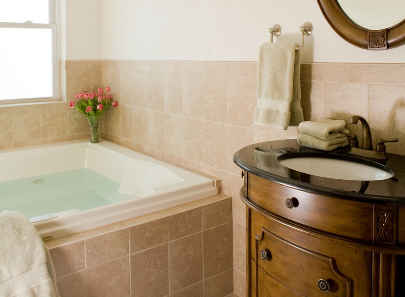 Suite 304 Jacuzzi, The Wilbraham Mansion & Suites Boutique Hotel, Cape May, NJ