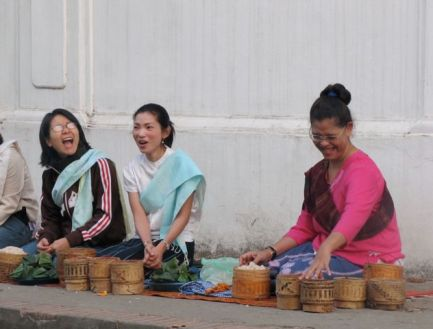 Laos ladies1