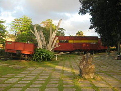 Reconstruction of the military train that Che destroyed in 1958, a crucial act in the revolutionaries victory
