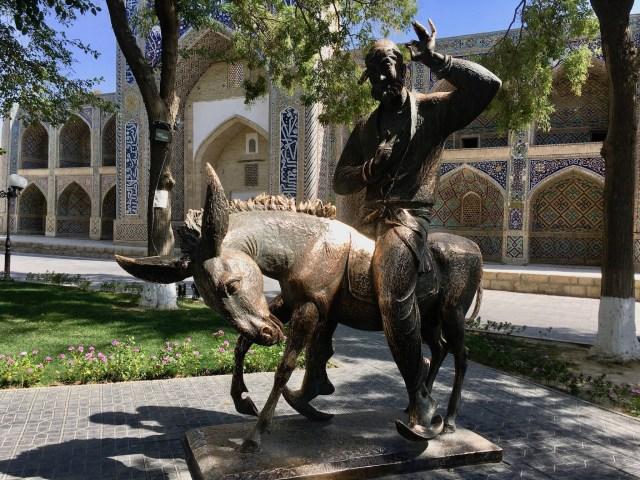 Nasreddin Statue Outside Nodir Devon Begi Madrasasi