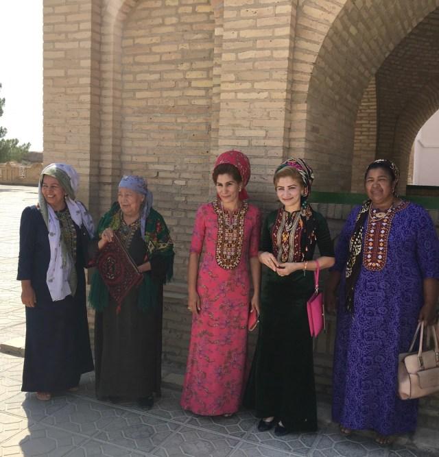 Pilgrims, Ancient Merv, Turkmenistan, tomb of an unknown 12th Century dervish