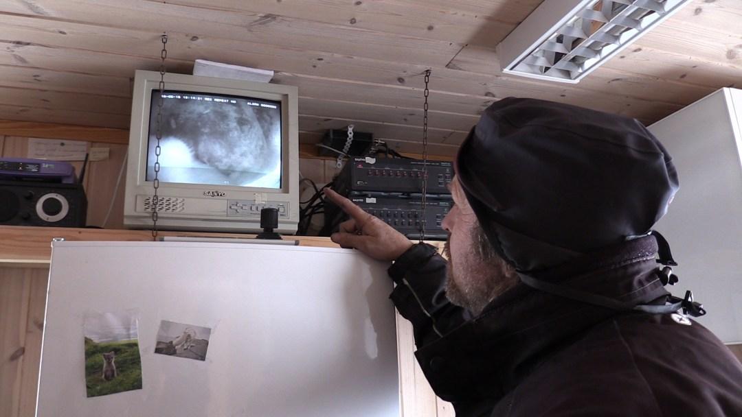 Elk nest wordt via video gemonitord...