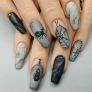 creepy halloween nails