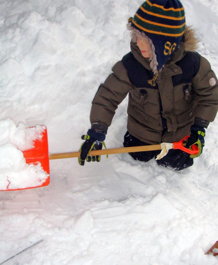 digging snow kids shovel