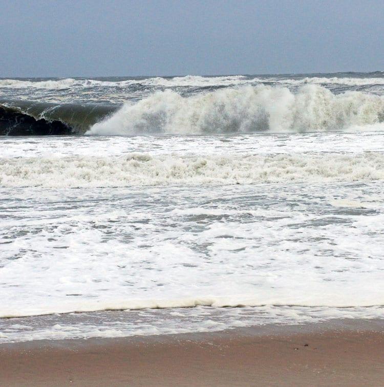 waves windy beach