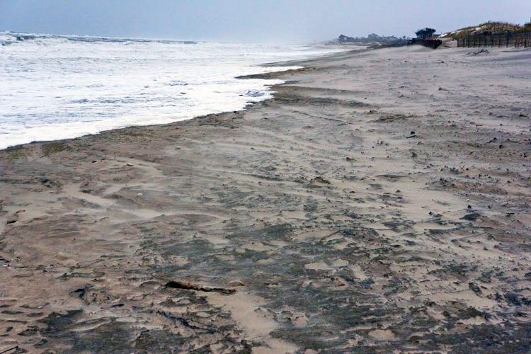 waves shoreline