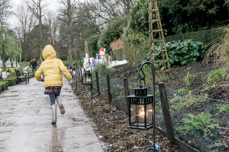Hever Castle path with christmas decorations