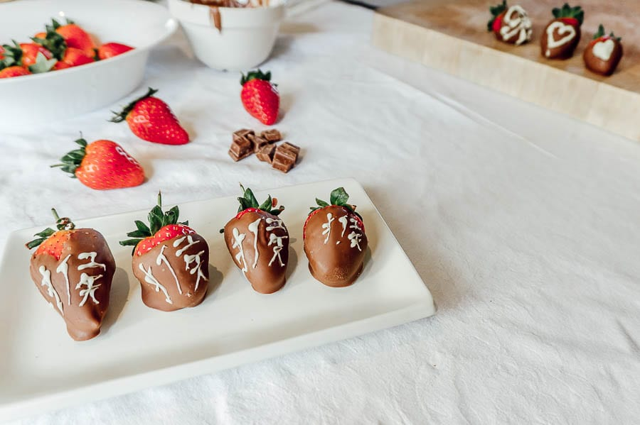 Chocolate Dipped Strawberries with white chocolate themes