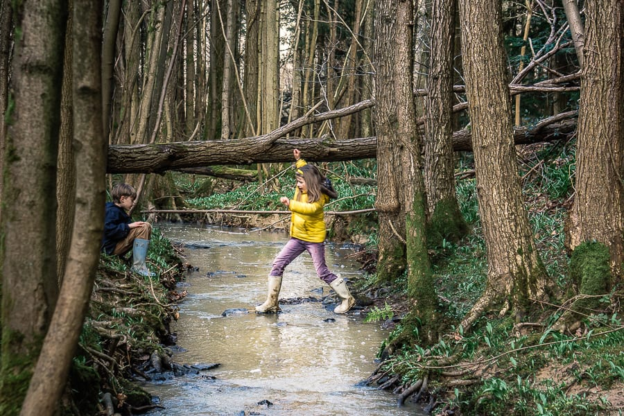 Strream adventure kids leaping