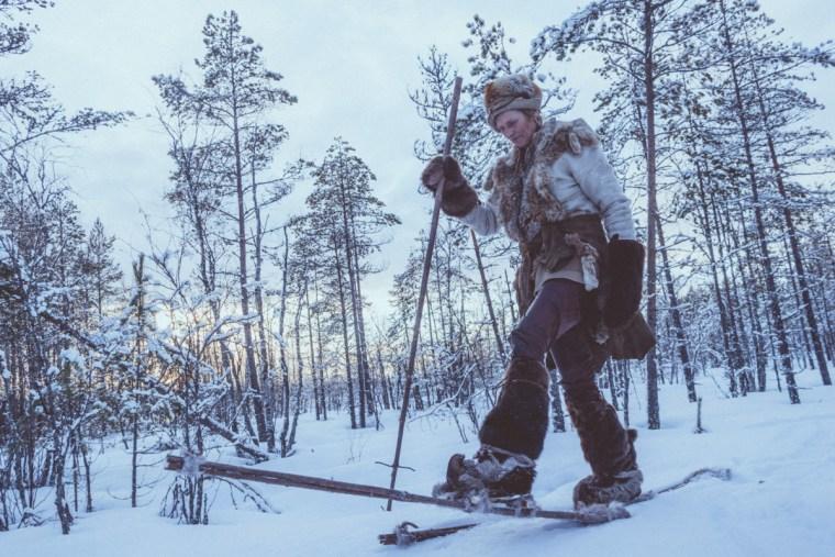 Lynx Vilden wearing her snow shoes in Kierikki