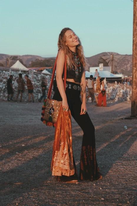 lightning in a bottle, lib, festival blogger, festival, wild and free blog, wild and free, sew red clothing, girl on a vine