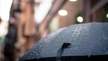 hujan mati lampu.jpg