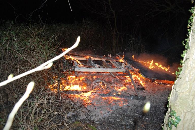 Brennende Hochsitze Ehemalige Polizeibeamter und Hobby-Jäger verhaftet