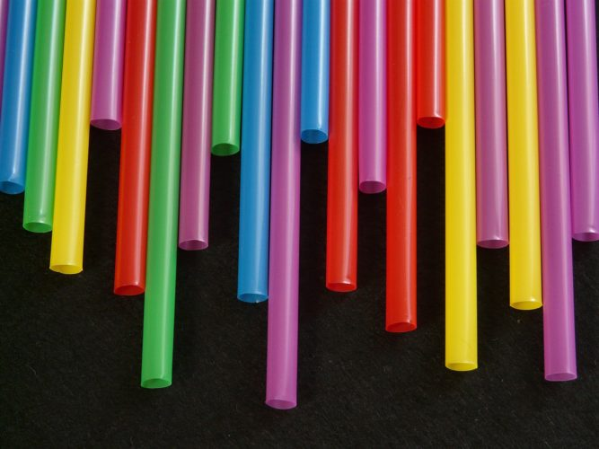 ban plastic straws to stop pollution