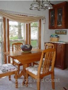 Osprey Nest Cabin Dining Table