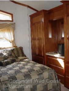 Osprey Nest Cabin Bedroom