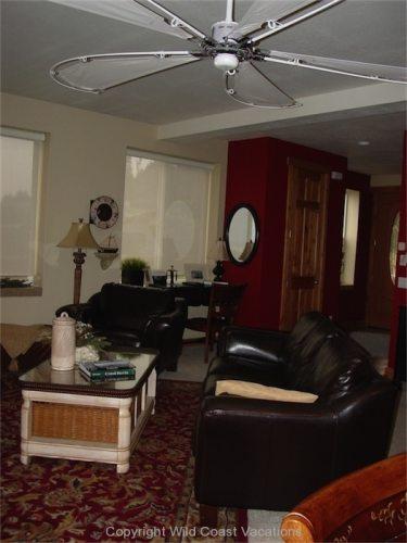 Sea House living area