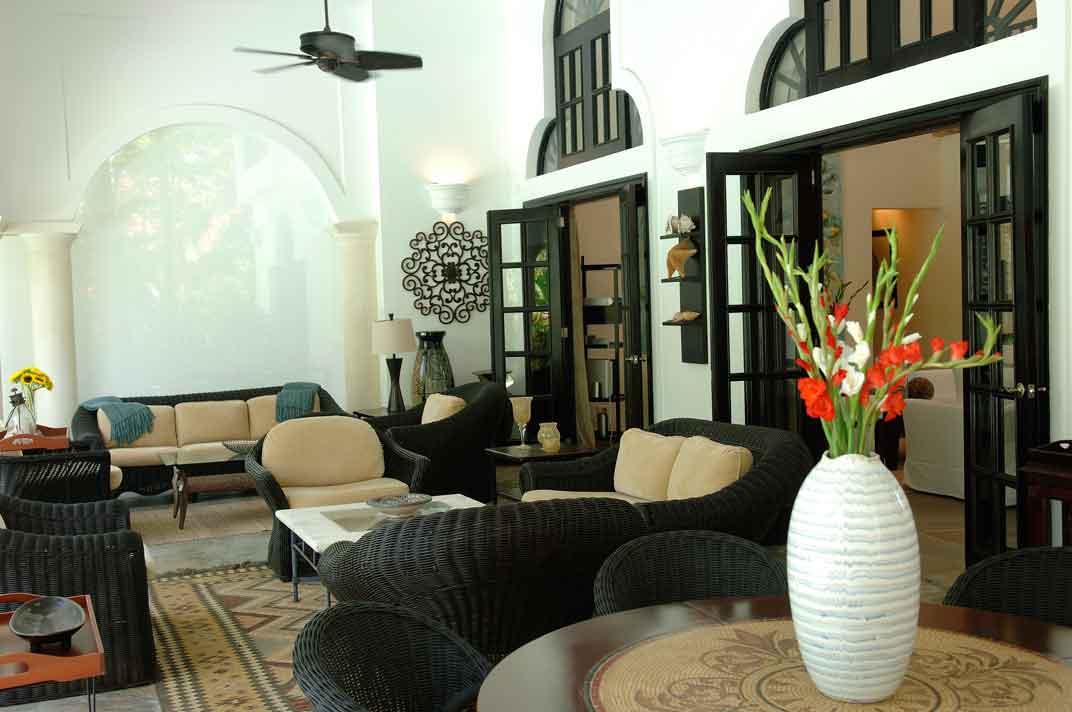 sea-horse-ranch-living-room